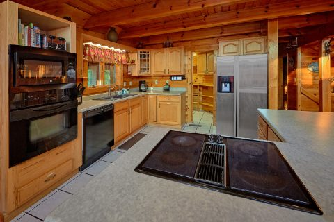 Large Open Kitchen 3 Bedroom 3 Bath Sleeps 10 - Livin' Lodge