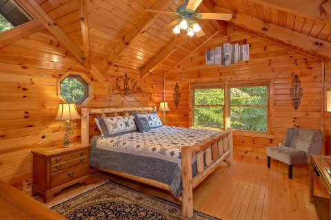 Top Floor MAster Suite - Livin' Lodge
