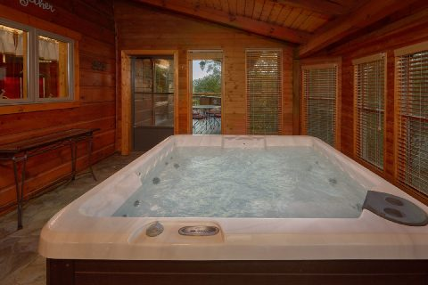 Private Hot Tub 3 Bedroom Cabin - Livin' Lodge