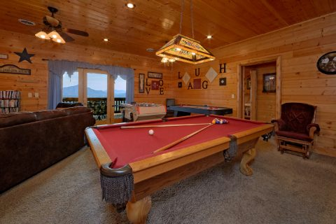 Luxury Cabin with Game Room and Poker Table - Lodge Mahal