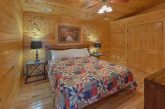 3 bedroom cabin with 2 King Bedrooms