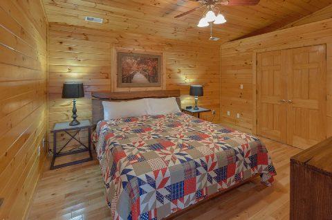 3 bedroom cabin with 2 King Bedrooms - LoneStar