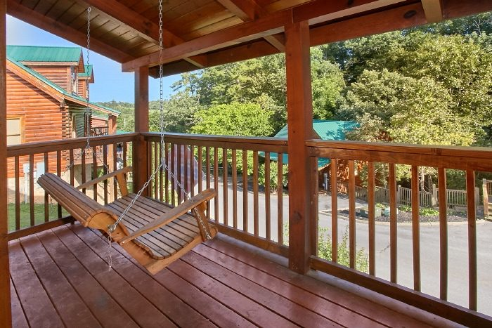 Resort Cabin with Porch Swing and Covered Deck - Lookin Up