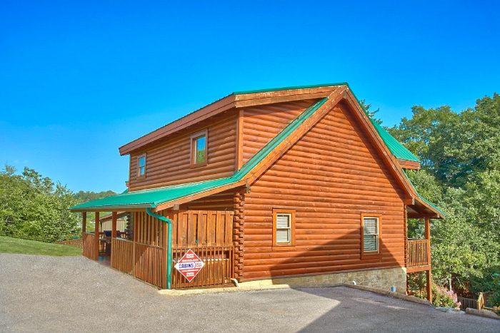 2 Bedroom Cabin in Blackberry Ridge Resort - Lookin Up