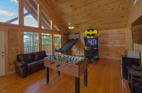 6 Bedroom with Large Game Room and Theater Room - Lookout Lodge