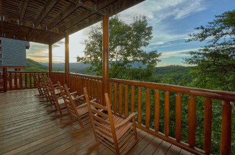 6 Bedroom with Covered Deck and Rockers - Lookout Lodge