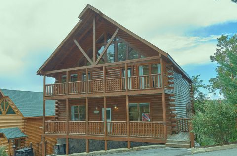 6 Bedroom 7.5 Bath 3 Story Cabin Sleeps 22 - Lookout Lodge