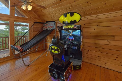 Large Game Room with Arcade Games 6 Bedroom - Lookout Lodge