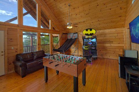 Large Game Room 6 Bedroom Cabin Sleeps 22 - Lookout Lodge