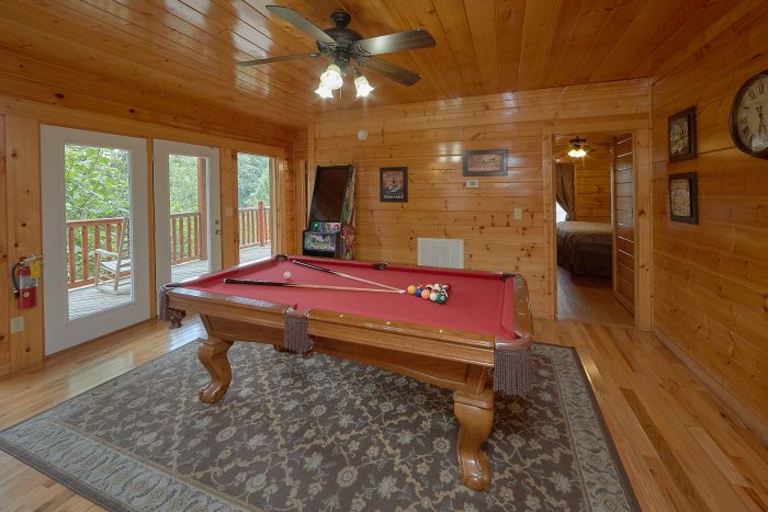 Luxury Cabin with Pin Ball Arcade and Pool Table - Lookout Point