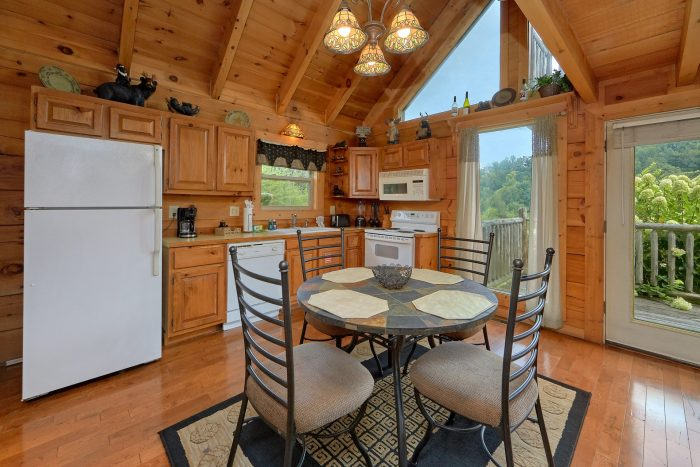 Private 1 Bedroom Cabin Sleeps 4 - Love Without End