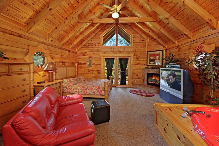 Cabin with Open Floor Plan - Lover's Lane
