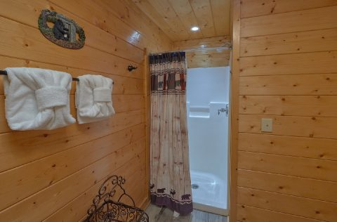 Full Bathroom with Shower Sleeps 6 - Lovers Paradise