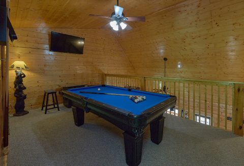 Affordable 2 Bedroom Cabin with Pool Table - Lovers Paradise