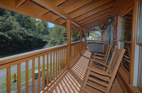 2 Bedroom Cabin near Pigeon Forge Sleeps 6 - Lovers Paradise