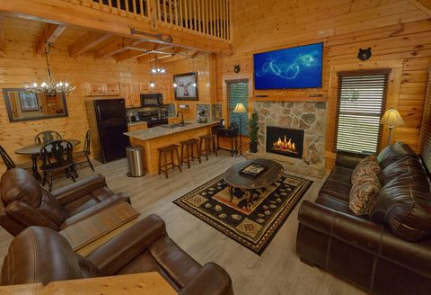 2 Bedroom Cabin in Pigeon Forge with Wi-Fi - Lovers Paradise