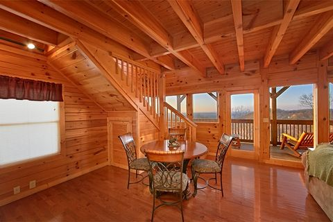 2 Bedroom Cabin Furnished with Dining Table - Lucky Break