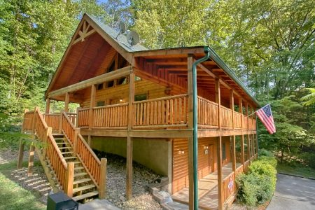 Skiing With The Bears: 3 Bedroom Gatlinburg Cabin Rental
