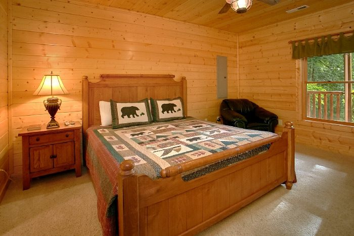 3 Bedroom Cabin with Master Suite - Lucky Logs Lodge