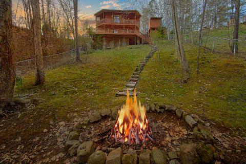 Fire Pit 3 Bedroom Sleeps 6 - Majestic Heights