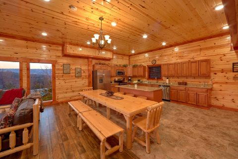 6 Bedroom Cabin with Dining Area - Majestic Mountain Splash
