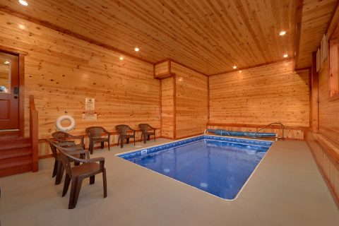 6 Bedroom Cabin with Private Indoor Heated Pool - Majestic Mountain Splash