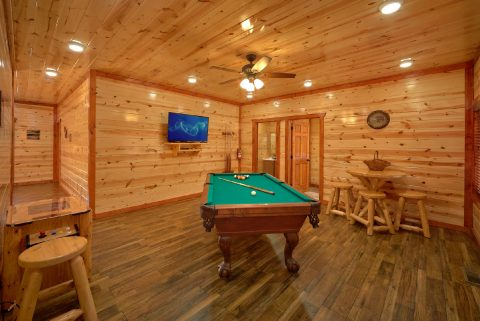 Luxury Cabin with Pool Table and Arcade and WiFi - Majestic Mountain Splash