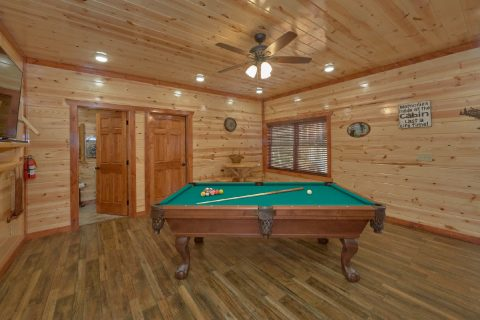 6 Bedroom with Game Room Sleeps 17 - Majestic Mountain Splash