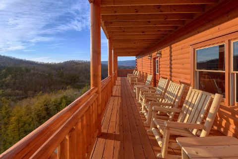 6 Bedroom Cabin with Great Mountain View - Majestic Mountain Splash