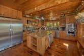 Luxury 5 bedroom cabin with oversize kitchen