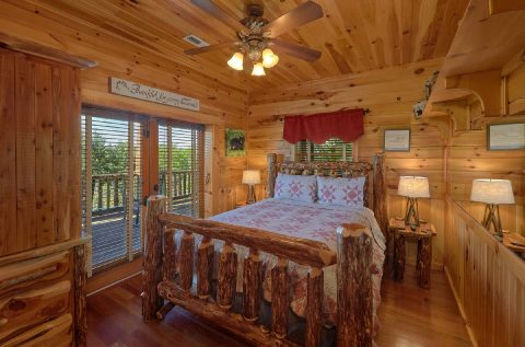 Bedroom with Mountain Views in Premium Cabin - Majestic Peace