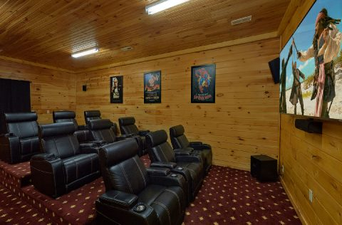 Movie Theater Room in Premium 5 bedroom cabin - Majestic Peace