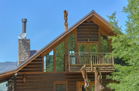 Luxury cabin with hand carved decorations - Majestic Peace