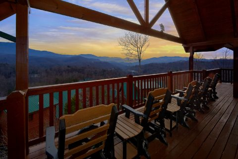 Featured Property Photo - Majestic Point Lodge
