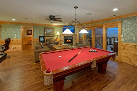 5 Bedroom with 2 Arcade Games and Pool Table - Majestic Point Lodge