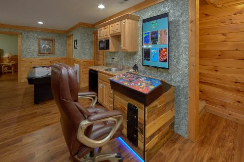 Luxurious 5 bedroom cabin with Game Room - Majestic Point Lodge