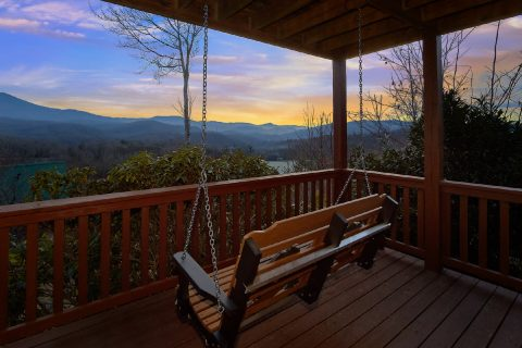 Cabin overlooking Gatlinburg with Porch swing - Majestic Point Lodge