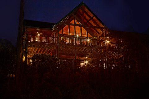 Premium Cabin overlooking Gatlinburg - Majestic Point Lodge