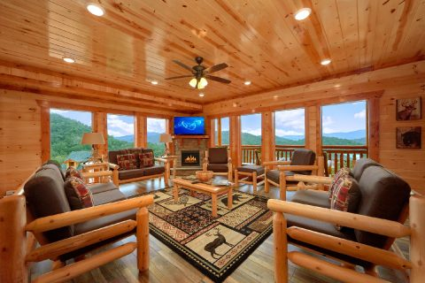 6 Bedroom 6 Bath Cabin near Pigeon Forge - Majestic Splash