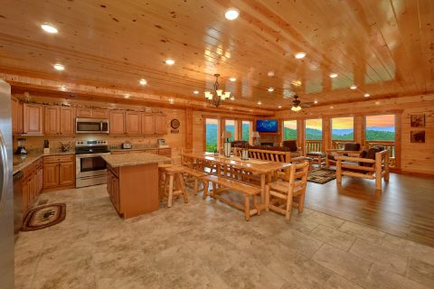 Spacious 6 Bedroom Cabin Near Pigeon Forge - Majestic Splash
