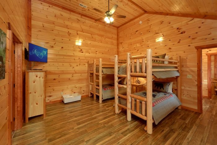 Twin Bunkbeds with Flatscreen TV - Majestic Splash