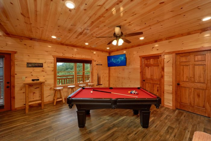 Luxury Cabin with Pool Table - Majestic Splash