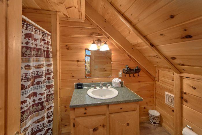 2 Bedroom 2 Full Bathroom Cabin Sleeps 8 - Making More Memories