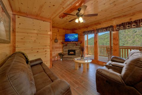 8 Bedroom Cabin with a Fireplace - Marco Polo