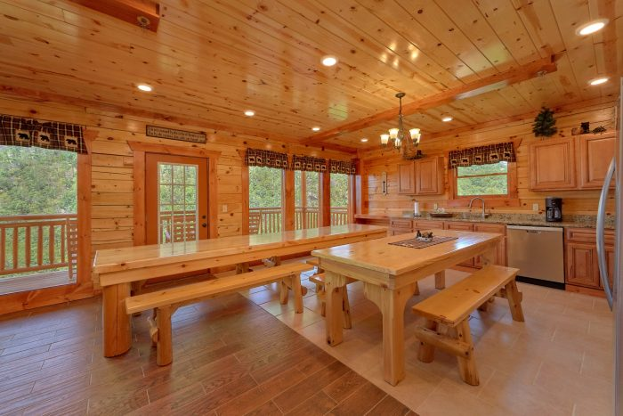 8 Bedroom Cabin with an eat-in kitchen - Marco Polo