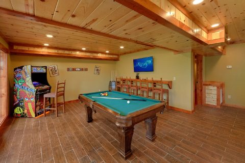 8 Bedroom Cabin with a Game Room - Marco Polo