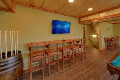 8 Bedroom Cabin with a Game Room Bar - Marco Polo