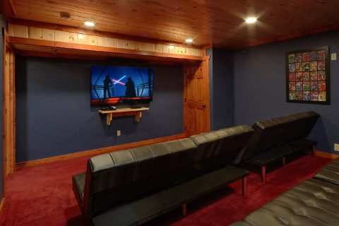 8 Bedroom Cabin with a Private Theater Room - Marco Polo