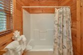 3 bedroom cabin with private master bathroom