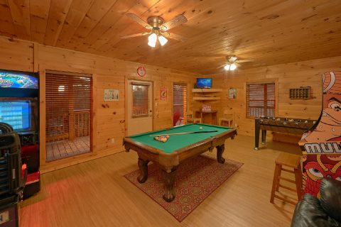 3 bedroom cabin with Game Room and Pool Table - Memory Maker